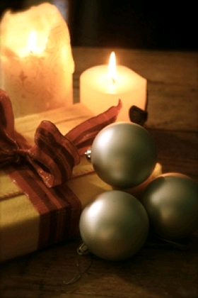 image of Christmas candles